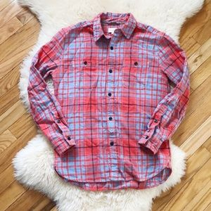 ⚡️3 for $25⚡️Aritzia TNA Plaid Flannel shirt
